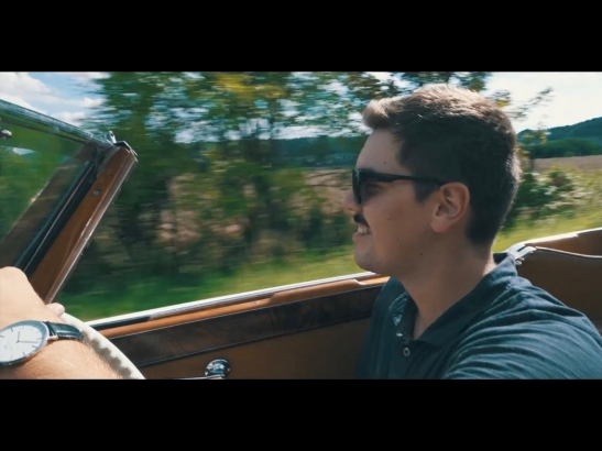 Driving classic cars makes you free (Video)